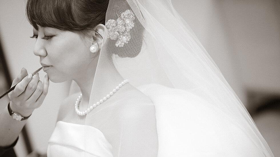 花嫁のメイクアップ